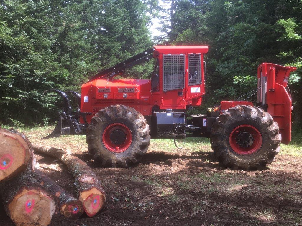 Šumski zglobni traktor Camox 140